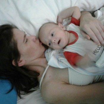 Da a luz estando en coma, le acercan a su bebé y se produce el milagro