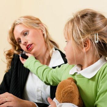 Enseñar a los niños a no interrumpir