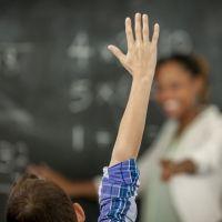 Cómo multiplicar por 6, 7, 8 y 9 con las manos