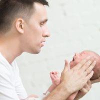 Masajes para aliviar el dolor de oídos del bebé