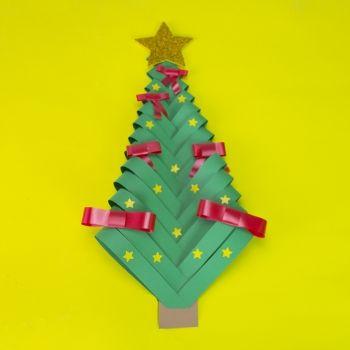 Árbol de Navidad con cartulina