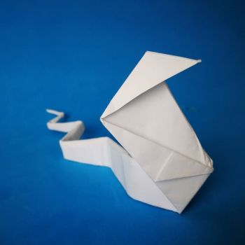 Cobra de origami. Papiroflexia fácil para niños
