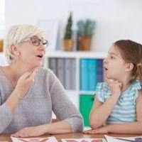 Cómo vencer la tartamudez infantil. Consejo de cantante Ed Sheeran a los niños
