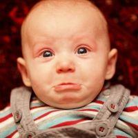 Juegos y movimientos prohibidos que no debes hacer con tu bebé