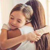 La importancia de los abrazos para los niños