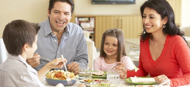 Cómo disfrutar de una comida en familia