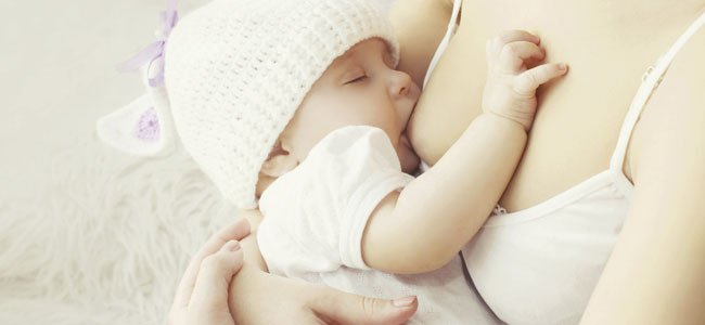 10 consejos para producir más leche para tu bebé