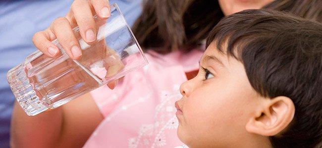 Cinco mitos sobre beber agua
