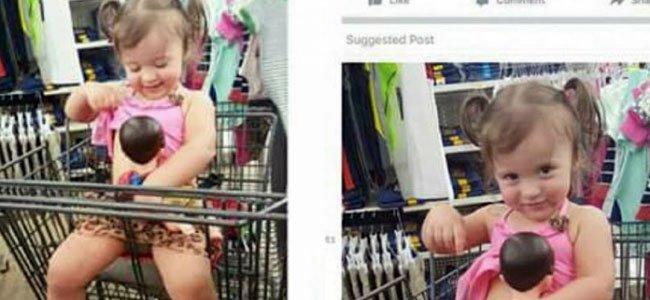 La foto de una niña dando el pecho a su muñeco recibe críticas