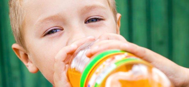 Los refrescos con gas en la alimentación infantil