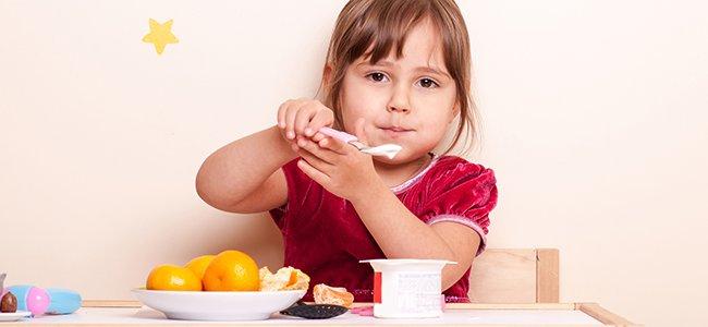 Combinación saludable: yogur con frutas
