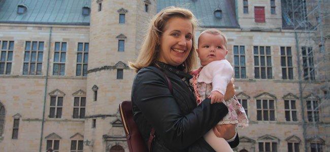 Mamá con bebé en Dinamarca
