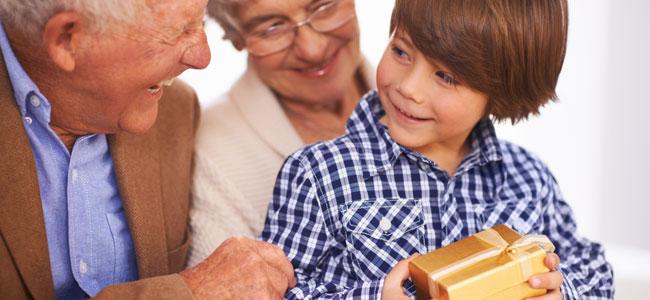 Cuando los abuelos se entrometen demasiado en la educación de los nietos