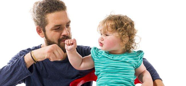 Padres aceptan la forma de ser de los hijos