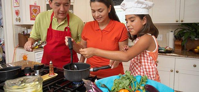 Cocinar en familia con los niños