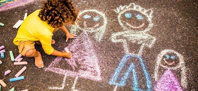 Interpretar los dibujos de la familia de los niños