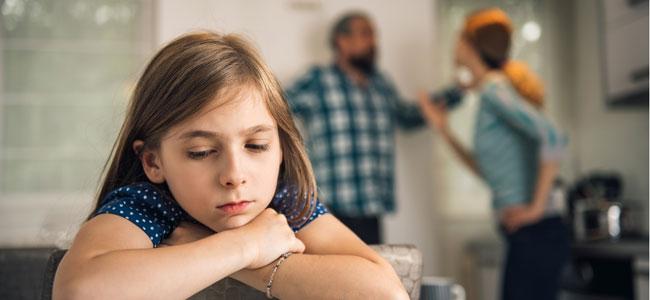 Cómo afectan a los niños las discusiones de los padres