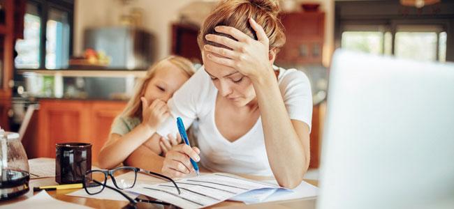 Ser madre equivale a más de dos jornadas laborales