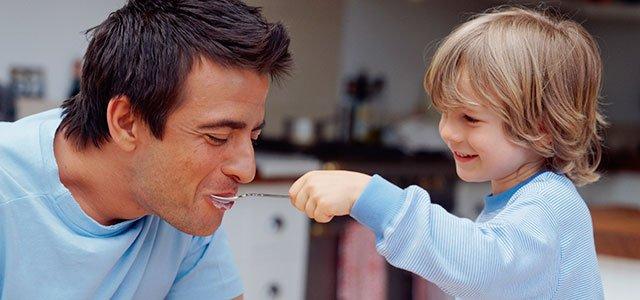 Niño con padre