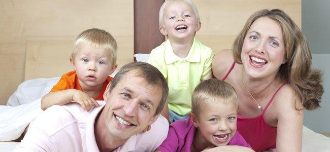 Familia numerosa con tres hijos