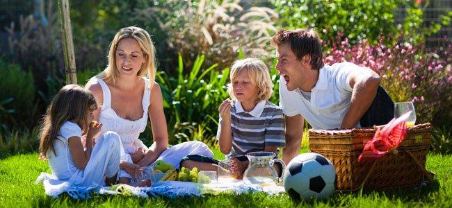 Familia en picnic