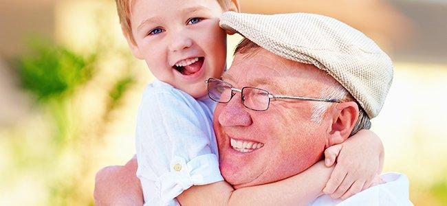 Lo que aportan los abuelos a los nietos