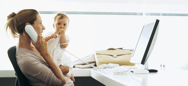 Baja de maternidad para madres trabajadoras