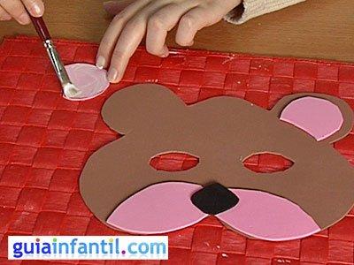 Antifaz oso paso 4