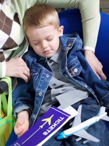 Viajar en avión a Bruselas con niños