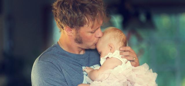 El papá y el bebé