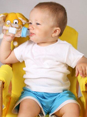 Bebé a los trece meses de vida