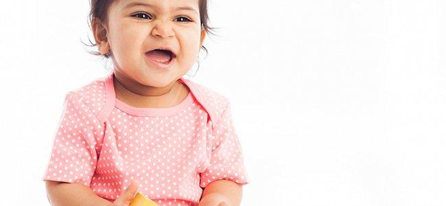 Beb de 20 meses desarrollo del beb mes a mes - Con cuantos meses se sienta un bebe ...