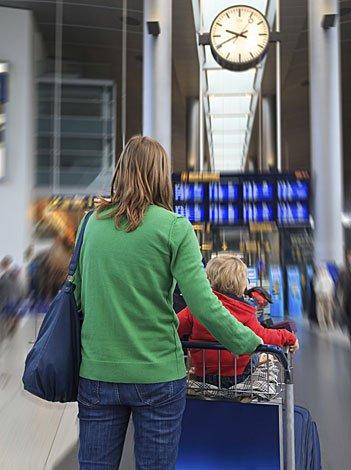 Cuidados con el bebé en un aeropuerto