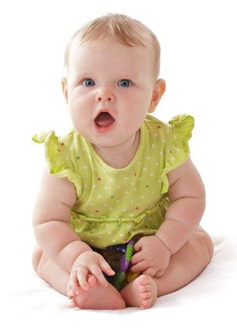 Bebé habla y balbucea
