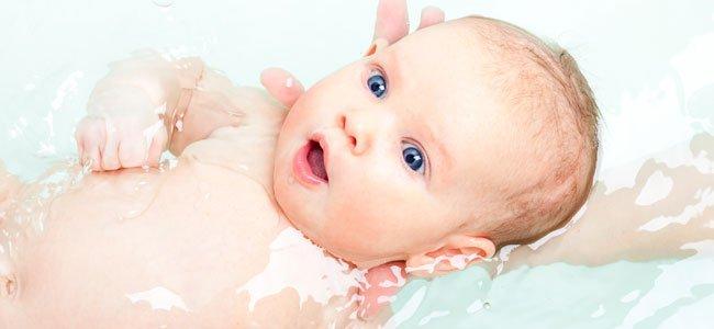 Baño Ninos Frecuencia:La frecuencia adecuada para bañar al bebé