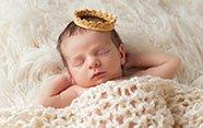 Bebé con corona