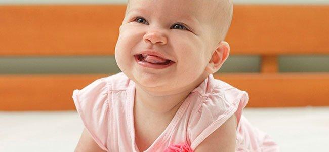 Bebé de ocho meses. Cómo son y qué hacen
