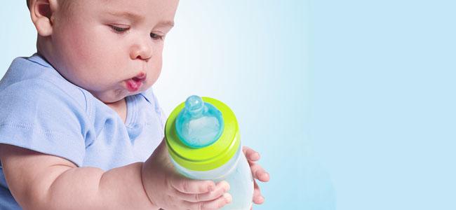 Cuando el bebé no quiere el biberón y prefiere el pecho