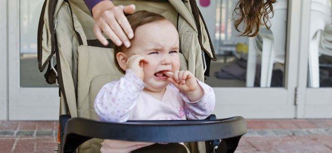 Bebés que no quieren ir sentados en su sillita