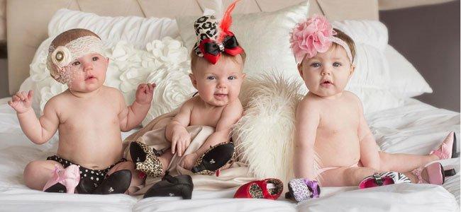 Bebés con zapatos de tacón
