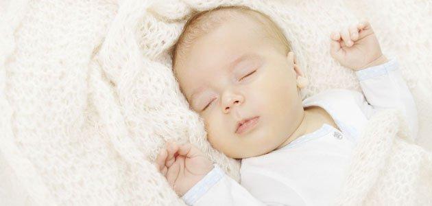 fA qué edad dormirá mi bebé toda la noche