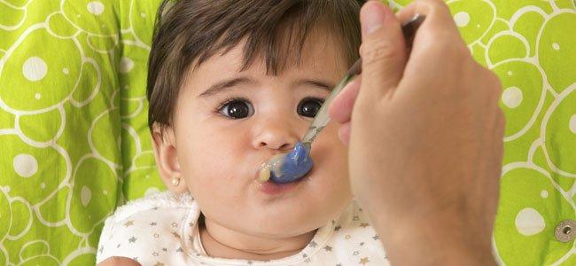 El paso de la leche materna a la papilla