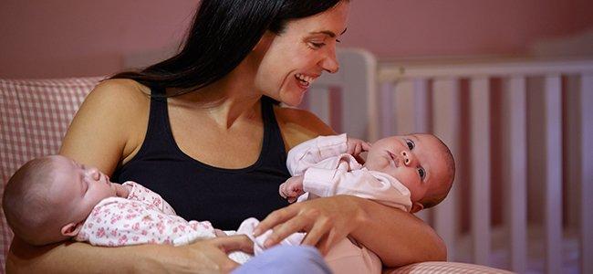 Amamantar gemelos o mellizos