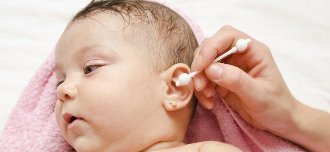 Cómo limpiar los oídos de los niños