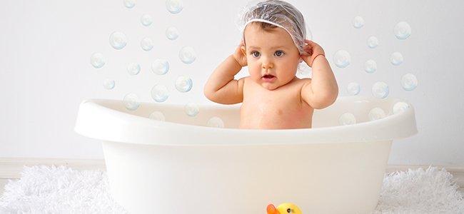 La higiene de la bañera del bebé