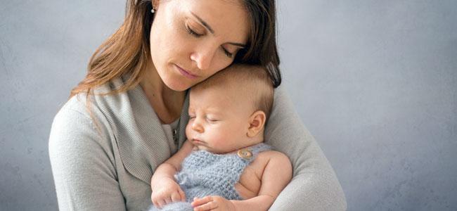 La importancia de mecer al bebé