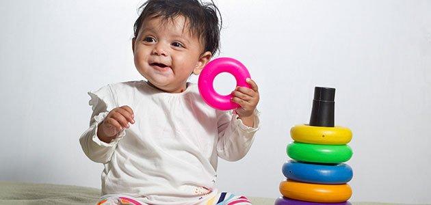 Bebé juega
