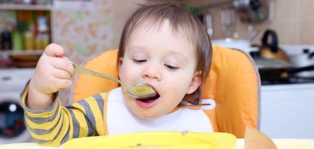 Niño come sopa