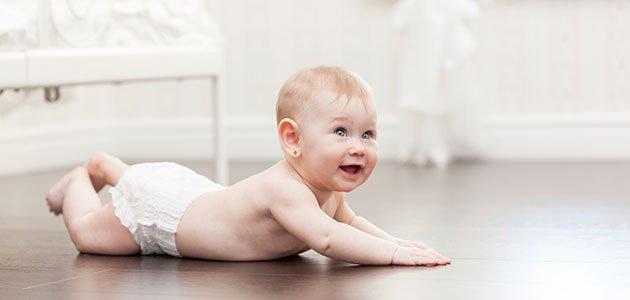 Bebé en el suelo