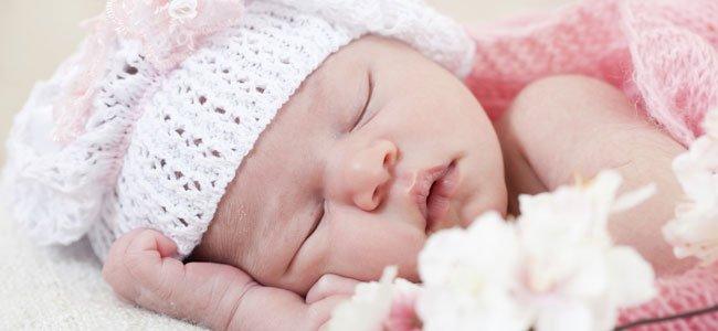 bebé de rosa